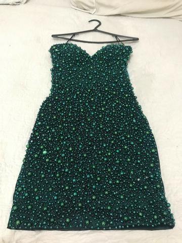 235cceb8177a6 Vestido de festa curto Maravilhoso! verde musgo bordado de bolas ...