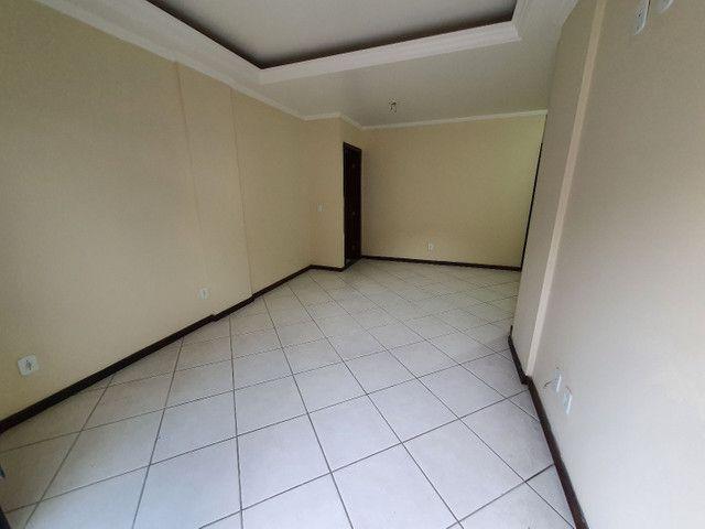 Alugo lindo e grande apartamento de 2 quartos, varanda, no parque das palmeiras - Foto 11