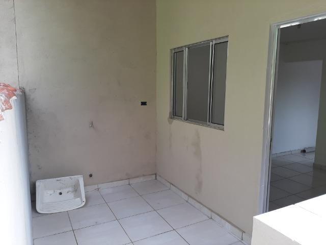 Aluga casa, quarto , sala , cozinha, banheiro e área de serviço - Foto 4