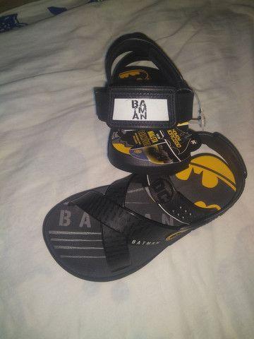 Uma sandália masculina Nova - Foto 3