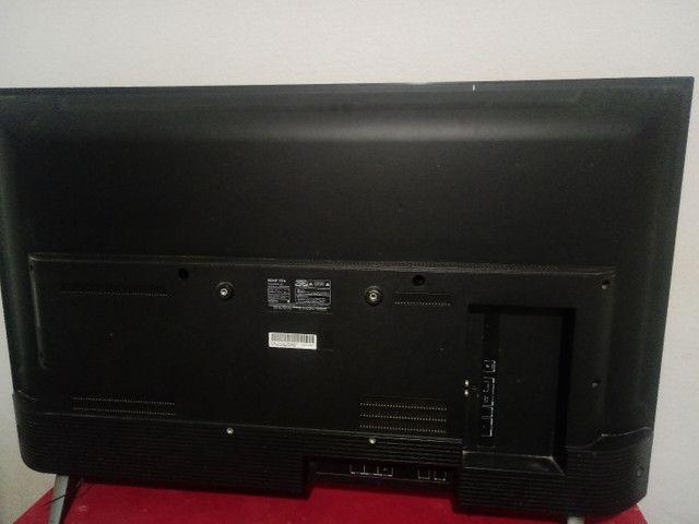 Vende-se televisão smart TV LED - Foto 2