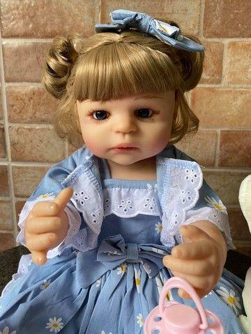 Linda bebê Reborn toda em Silicone realista Nova Original olhos azuis (Aceito Cartão) - Foto 2