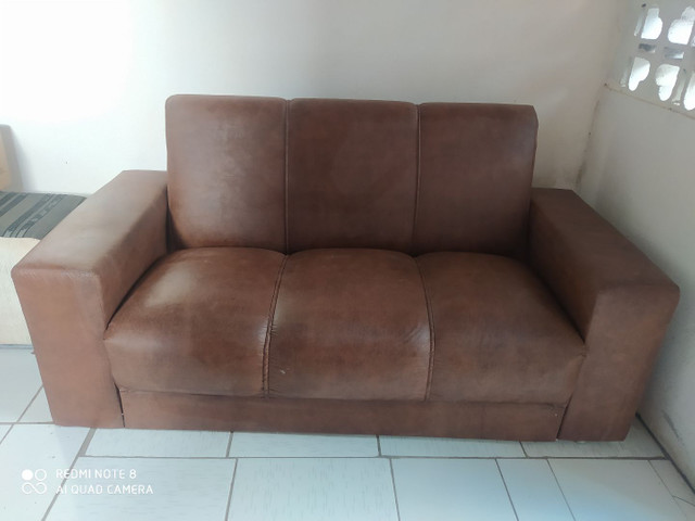 Venda de um sofá . Preço excelente!