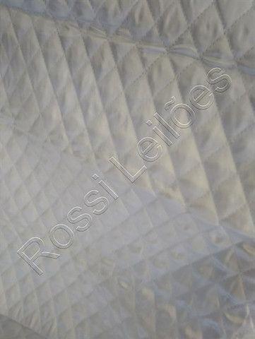 Kit COM 05 Capas p/ Cadeiras Produzidas em Tecido Cetim Cor Branca - Foto 2