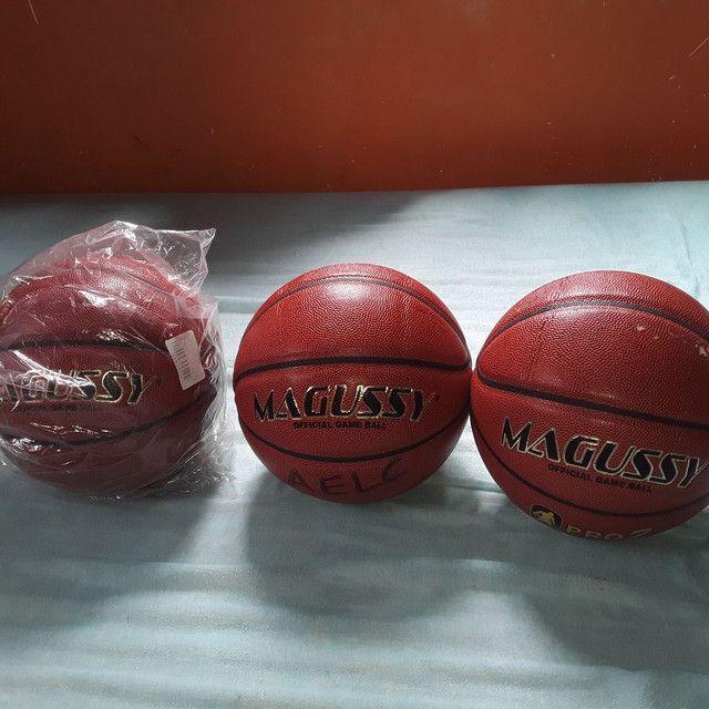 Estou vendendo essas bolas de basquete  - Foto 2