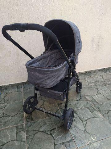 Carrinho de bebê moises com bebê conforto