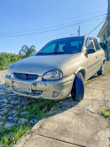 Vendo Corsa sedan 2004 completo c/ GNV - carro de mulher