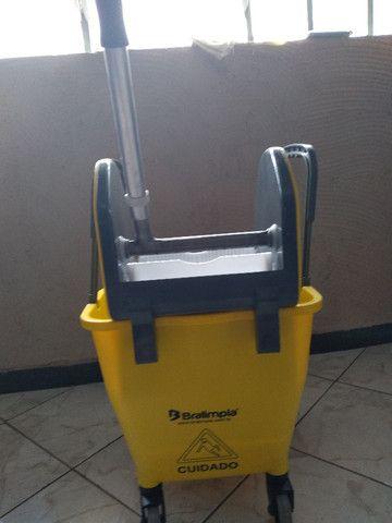 Balde - - Kit de Limpeza (balde e Espremedor) - Foto 3