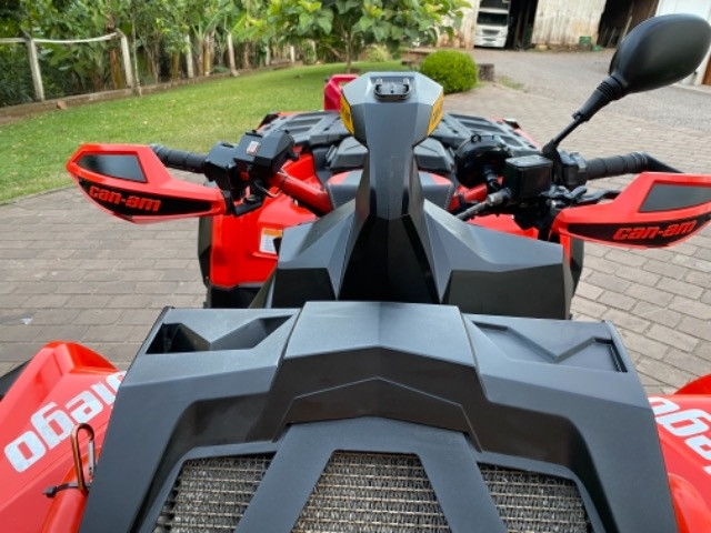 Quadriciclo Can-am XMR 1000 cc