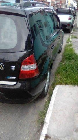 Excelente Nissan Livina - Foto 11