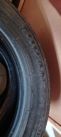 2 pneus Turanza, 185/55 R16, meia vida, com apenas 30 mil km rodados.
