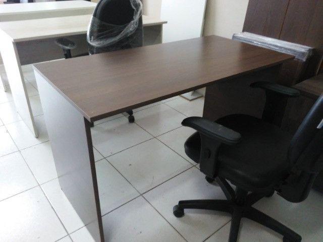 Mesa para escritório em MDF 18 mm cor frassino - Foto 3