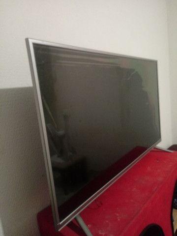 Vende-se televisão smart TV LED