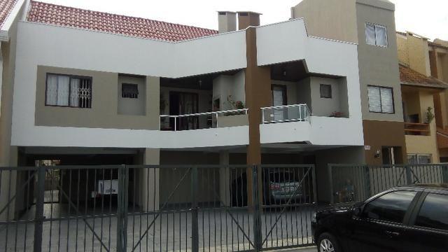 Apartamento Duplex excelente em Caiobá. Bem localizado, sacada grande com churrasqueira.