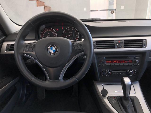 BMW 320i 2011 Top + All black , sem detalhes - Foto 14
