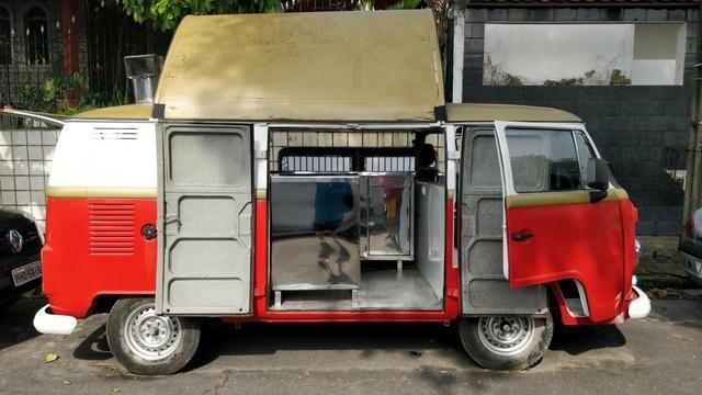 Kombi Foodtruck com freezer e chapeira pronta para negócio!! - Foto 6