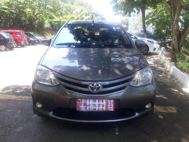 Toyota etius novo com gás. 2017 43.000,00 - Foto 8