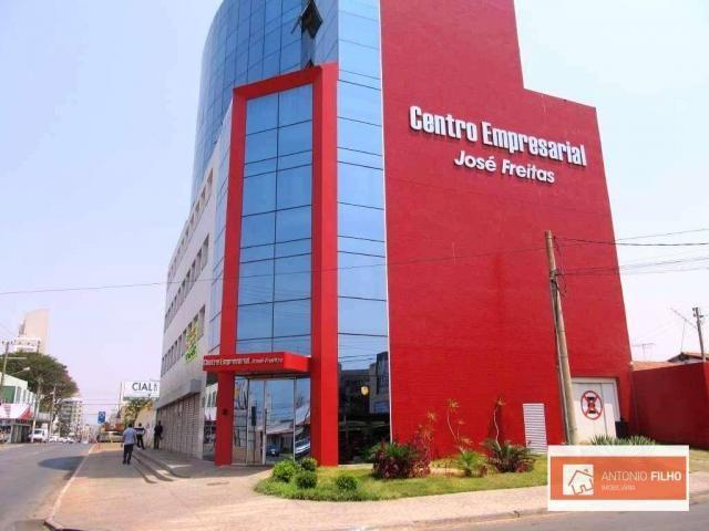 Salas comerciais com primeiro mês grátis na praça do DI, QNA 27  Centro Empresarial José F