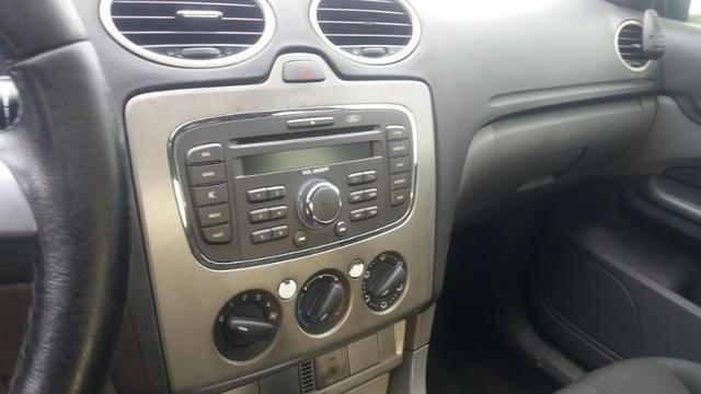 Ford Focus Sedan Titânio 2.0 Flex 2010 - Automático! - Foto 2