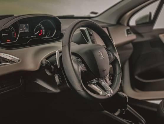 208 2017/2017 1.6 GRIFFE 16V FLEX 4P AUTOMÁTICO - Foto 11