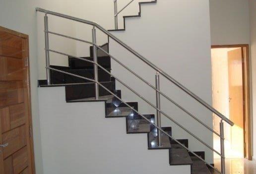Corrimão. Guarda corpo .Escadas Todos os modelos e projetos predios ou casas - Foto 6