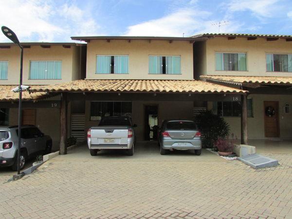 Casa sobrado em condomínio com 3 quartos no Residencial Bosque Sumaré - Bairro Parque Anha