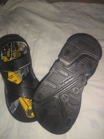 Uma sandália masculina Nova - Foto 4