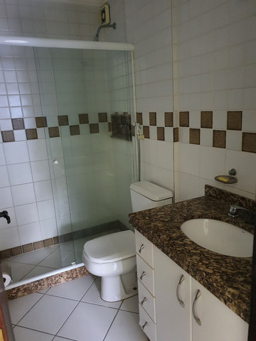 Alugo lindo e grande apartamento de 2 quartos, varanda, no parque das palmeiras - Foto 6