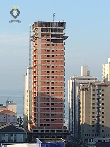Excelente Apartamento de Alto Padrão 3 Dormitórios 3 Suítes menos de 100 metros da Praia - Foto 3