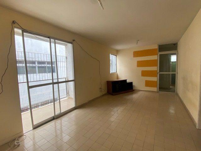 Apartamento em Olinda, 2 quartos sociais mais 1 c/ dep - Foto 2
