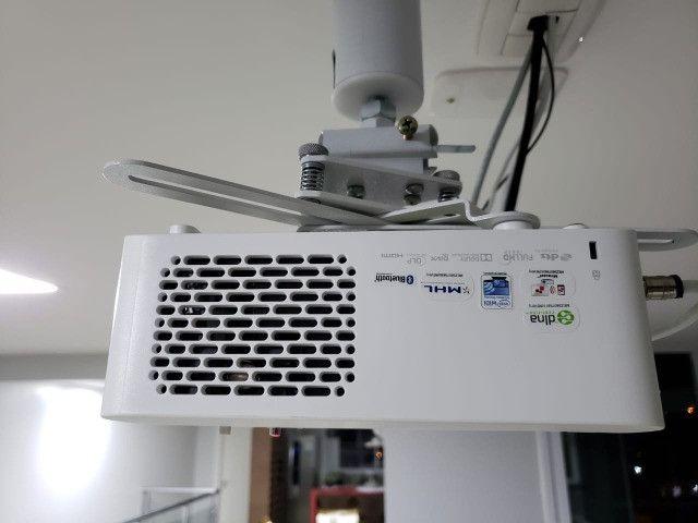 Projetor LG Smart TV Full HD com controle remoto mágico - Foto 2