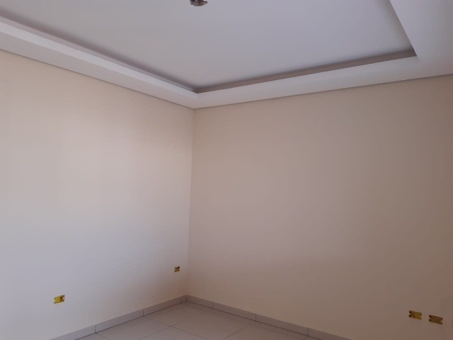 Linda Casa Nova Campo Grande com 3 Quartos No Asfalto**Venda** - Foto 3