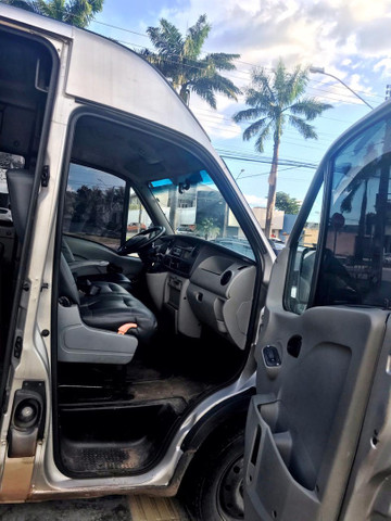 Master RenaultVan 10 lugares 63.000,00  - Foto 3
