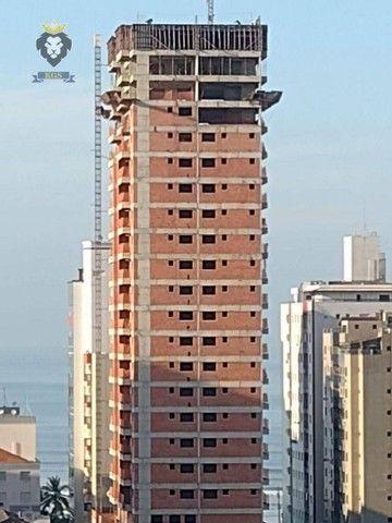 Excelente Apartamento de Alto Padrão 3 Dormitórios 3 Suítes menos de 100 metros da Praia