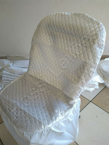 Kit COM 05 Capas p/ Cadeiras Produzidas em Tecido Cetim Cor Branca