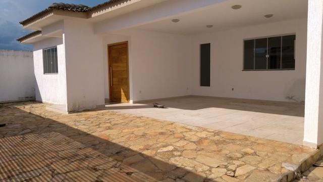 Samuel Pereira oferece: Casa Sobradinho RK 4 Suites Alto Padrão Churrasqueira Aceita troca