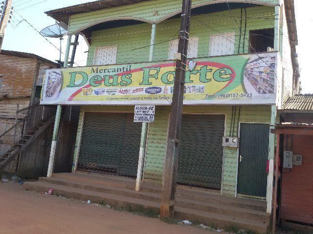 Excelente vila de quartos c/ p. comercial e kit net em Laranjal do Jari