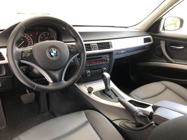 BMW 320i 2011 Top + All black , sem detalhes - Foto 9
