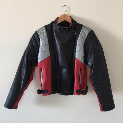 Jaquete de couro motociclista feminina - Foto 3