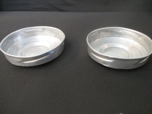 Par tampas de baleiro antigo em alumínio - peça original - Foto 4