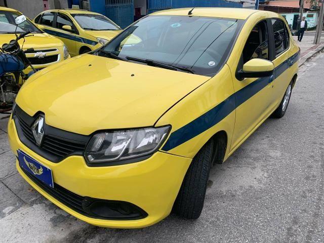 Ex taxi - Logan Expression 1.6 2015 financio com pequena entrada