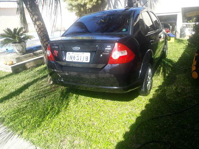Ford Fiesta sedan 1.6 - Foto 3
