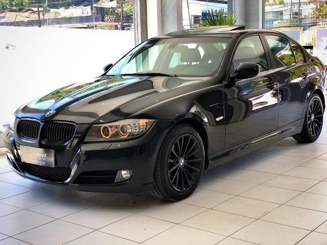 BMW 320i 2011 Top + All black , sem detalhes