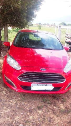 Vende - se Ford Fiesta Titaniun 1.6