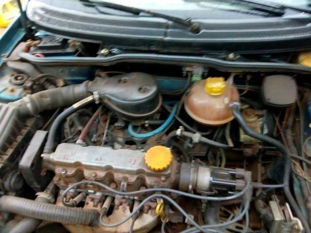 Vendo corsa 96 1.4 vidro trava alarme e conta corente carri todo em dias - Foto 5