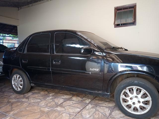 Corsa sedan life 1.0 básico