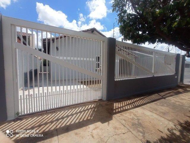 Linda Casa Tijuca com Varanda com 360 m² com Edícula**Venda** - Foto 16