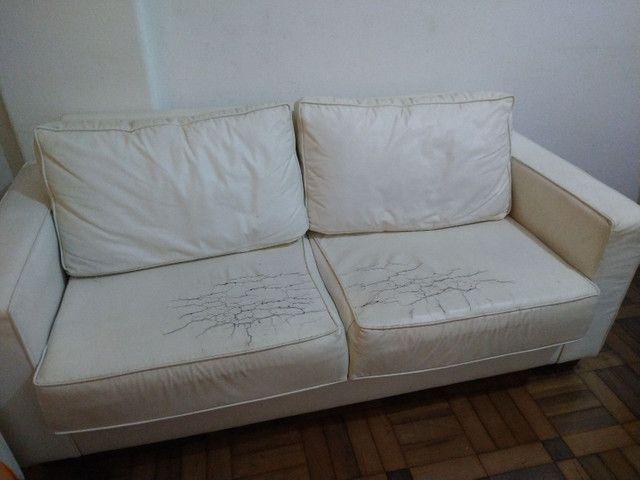 sofá 3 lugares de couro - Foto 3