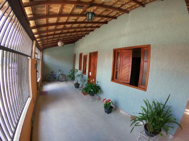 Linda casa 4 Qtos c/suite - Mata da Serra Melhor localização do Bairro - Foto 2