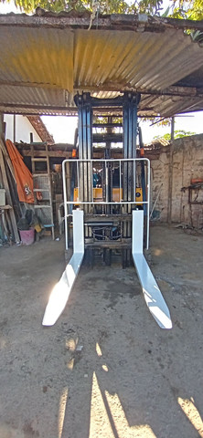 Empilhadeira YALLE 2008 - 47.800,00 (8 1 9 8 9 1 0 5 - 8 3 8 4 - ZAP)!<br> - Foto 3